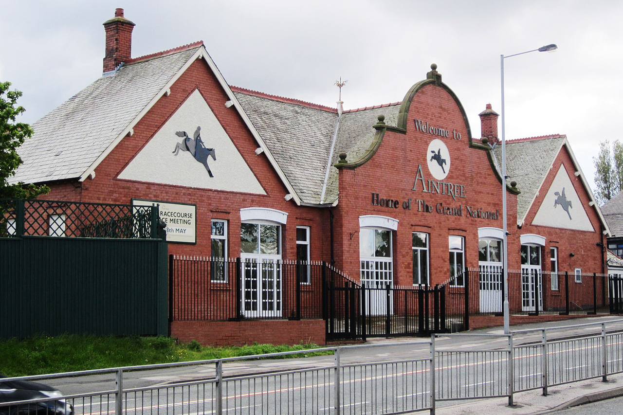 Liverpool Inn, located close to Aintree Racecourse, the official site for the 2014 Grand National and the perfect location for weddings, conferences, exhibitions meetings. Aintree Racecourse is a racecourse in Aintree, Merseyside, England close to the city of Liverpool.